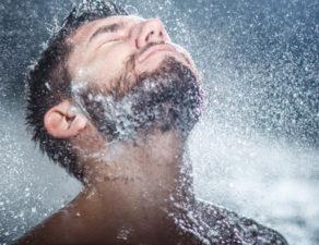 Voici, Pourquoi vous devriez prendre des douches froides ?