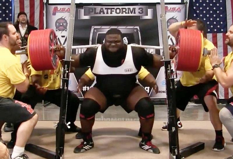 il bat le record du monde de squat