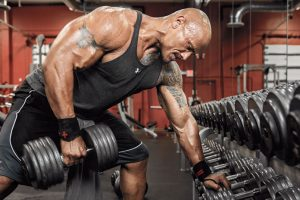 Stagnation musculaire : mettre plus lourd ou faire plus de répétitions ?